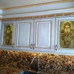 شیشه تیفانی یا استیند گلس درب کابینت کلاسیک (نمای5)