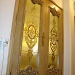 شیشه تزئینی استیند گلس یا تیفانی برای درب سالن پذیرایی نمای 5