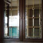 شیشه تیفانی درب ویترین چوبی (نمای2)