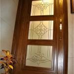 شیشه تزئینی و دکوراتیو کلاسیک با فلز طلایی برای درب چوبی شیشه خور (نمای 5)