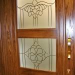 شیشه تزئینی و دکوراتیو کلاسیک با فلز طلایی برای درب چوبی شیشه خور (نمای 3)