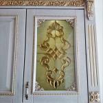 شیشه تیفانی یا استیند گلس درب کابینت کلاسیک (نمای 8)