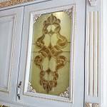 شیشه تیفانی یا استیند گلس درب کابینت کلاسیک (نمای 9)