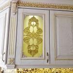 شیشه تیفانی یا استیند گلس درب کابینت کلاسیک (نمای 12)