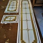 مراحل ساخت شیشه تزیینی معرق برای پارتیشن چوبی نمای 6