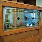 شیشه تزیینی استیند گلس برای پارتیشن و جدا کننده چوبی نمای 6