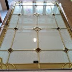 مراحل ساخت و معرق کاری شیشه استیند گلس نمای 7