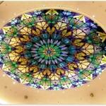 گنبد شیشه ای تیفانی و استیندگلس که برای ساخت معرق آن از شیشه های رنگی استفاده شده است