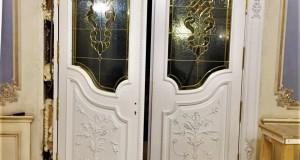 شیشه استیند گلس برای درب ورودی چوبی لوکس